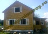 Дом 6х8 с брусовыми фронтонами